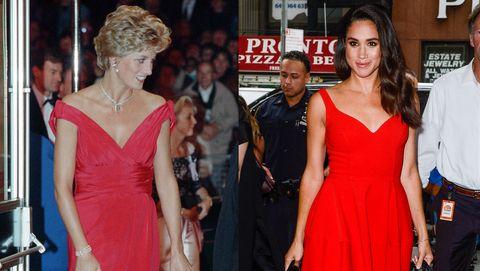 鮮紅色連身裙。  1992 年,戴安娜出席電影首映式時,身穿紅色絲綢禮服。 梅根在訂婚前也穿過剪裁相近的鮮紅色連身裙。