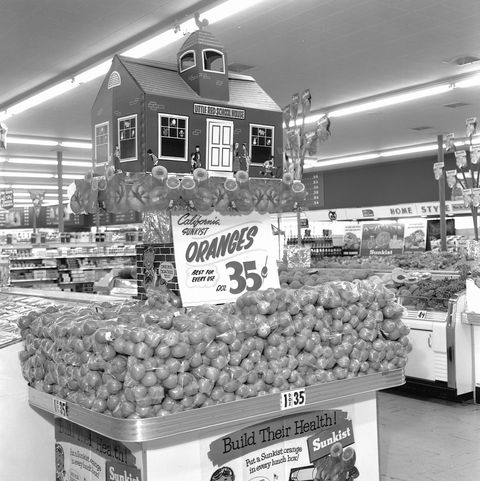 grocery story displays