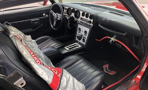 Land vehicle, Vehicle, Car, Steering wheel, Center console, Coupé, Classic car, Sedan, Muscle car,