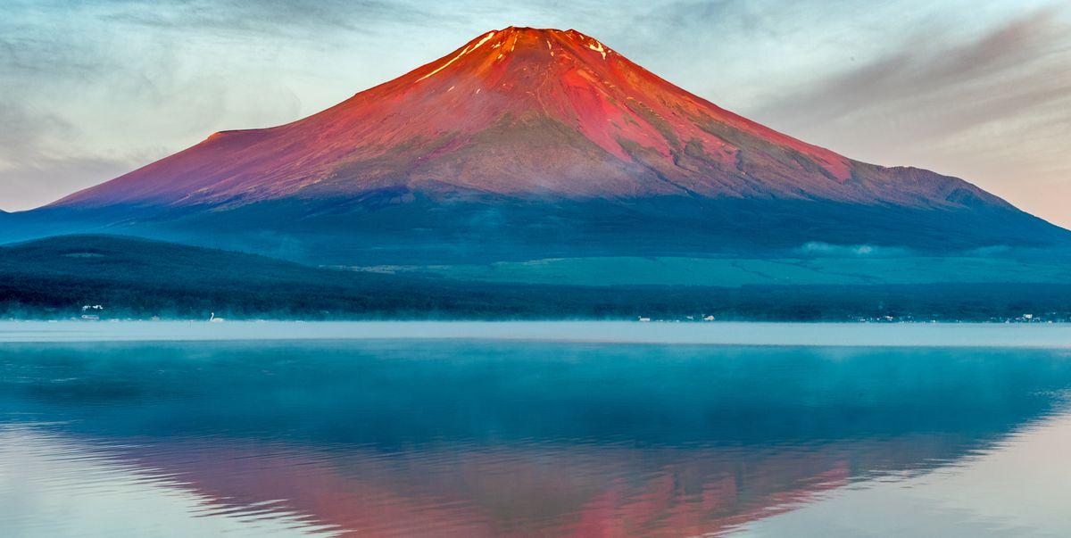 red fuji lake yamanaka reflection royalty free image 1595873119 jpg?crop=1 00xw:0 755xh;0,0 0481xh&resize=1200:*.'