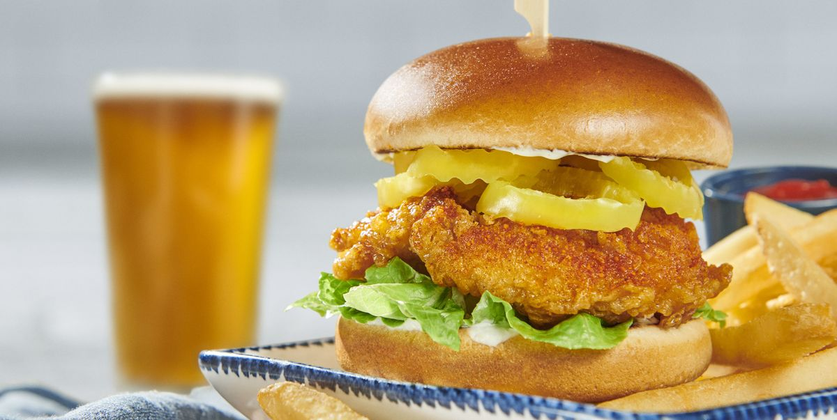 Red Lobster Has A New Nashville Hot Chicken Sandwich That's Spicy And A Little Sweet