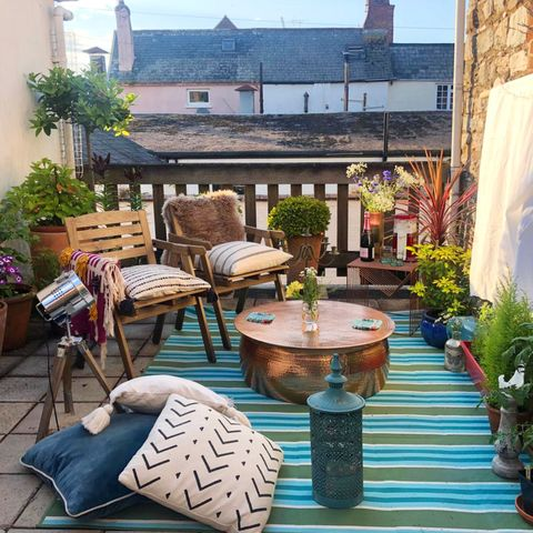 Plant, Flowerpot, Outdoor furniture, Outdoor table, Garden, Annual plant, Patio, Water feature, Yard, Courtyard,