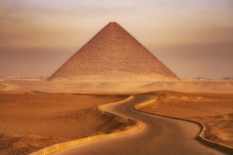 red pyramid of dahshur