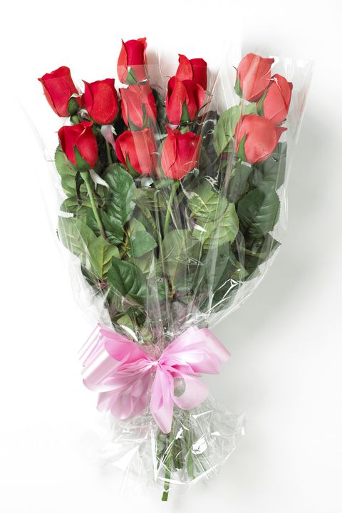 12 Best Flowers For Valentine S Day Popular Roses Arrangements