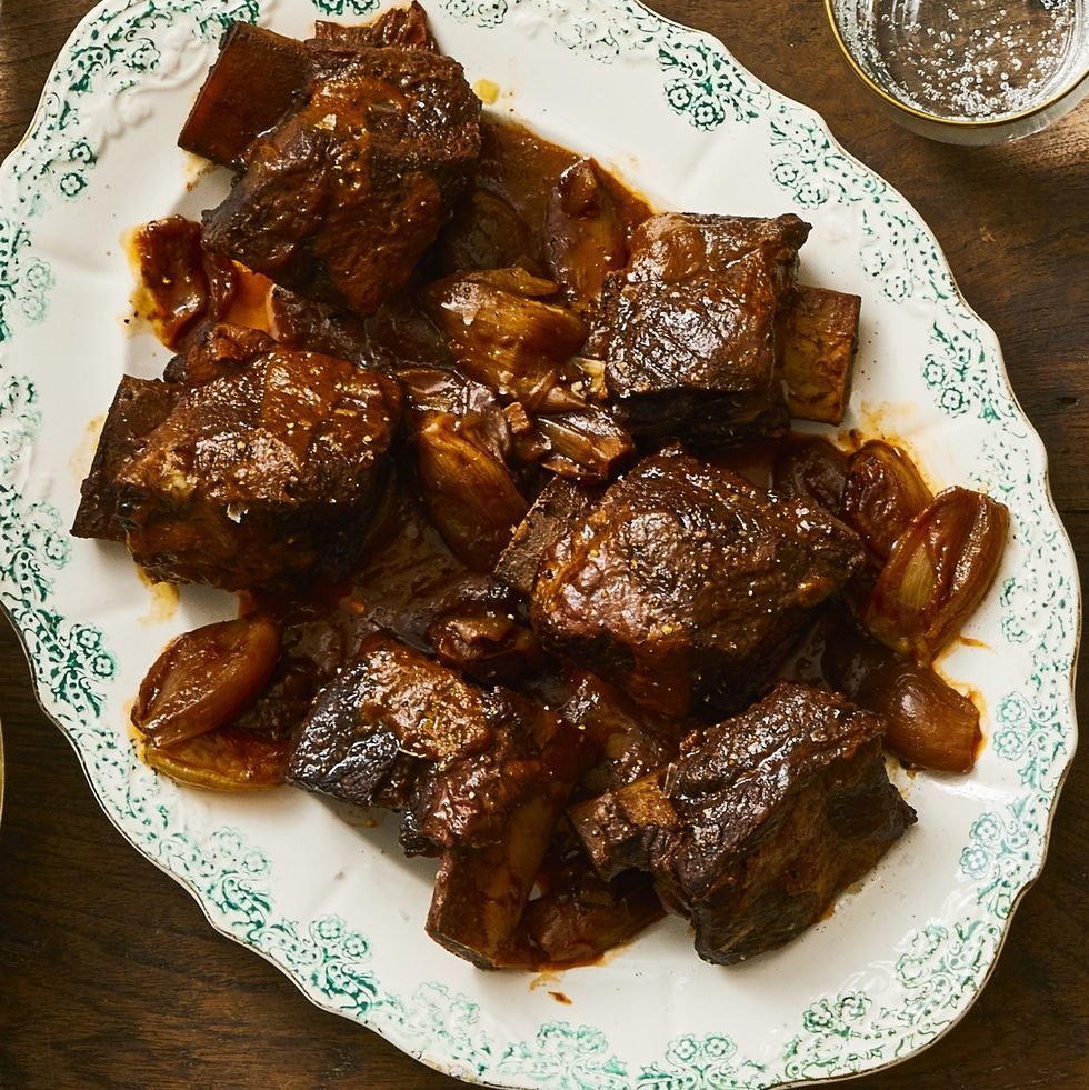 Red Wine-and Shallot-Braised Short Ribs