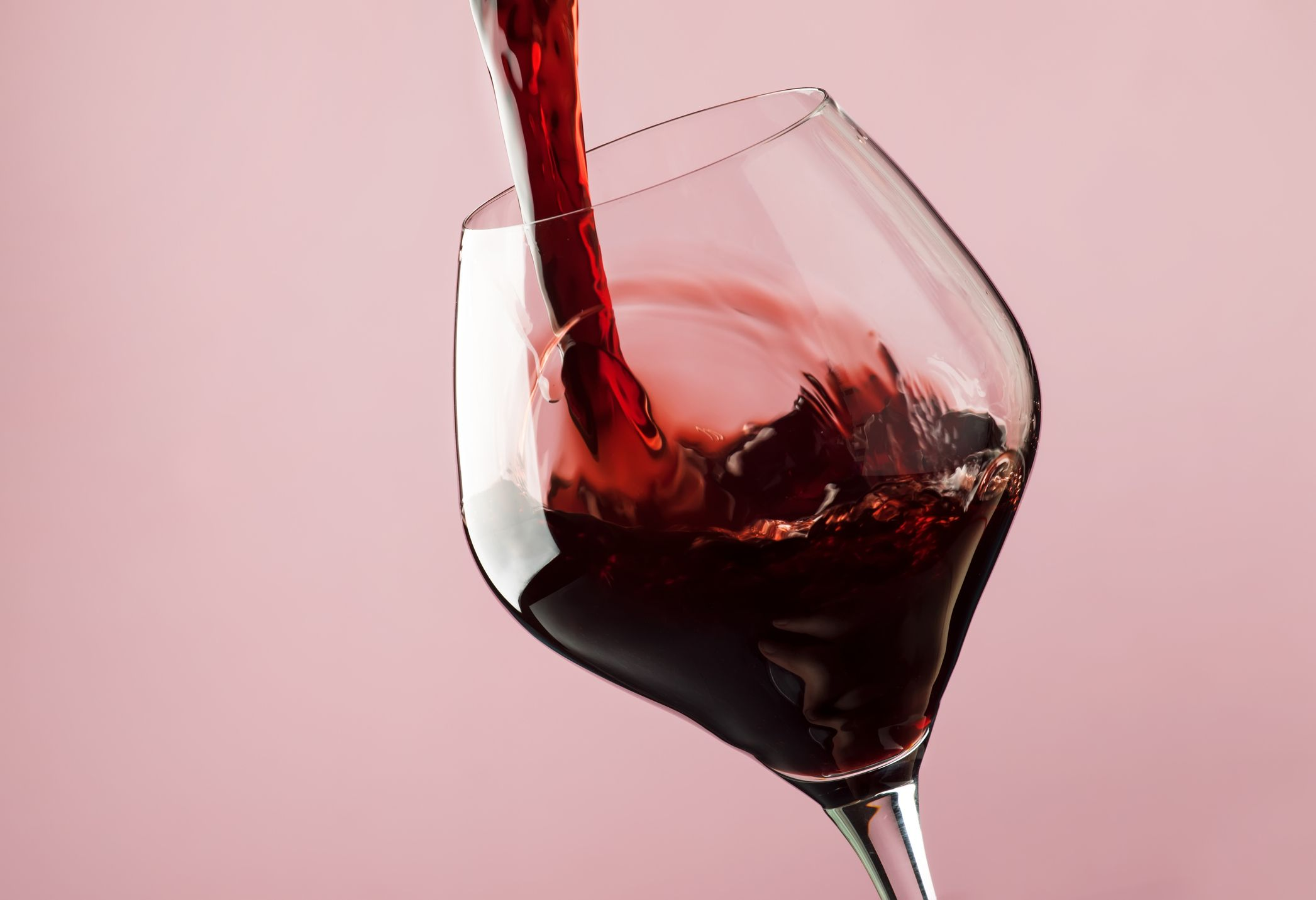 5 Red Wine Health Benefits - Why to Drink Red Wine