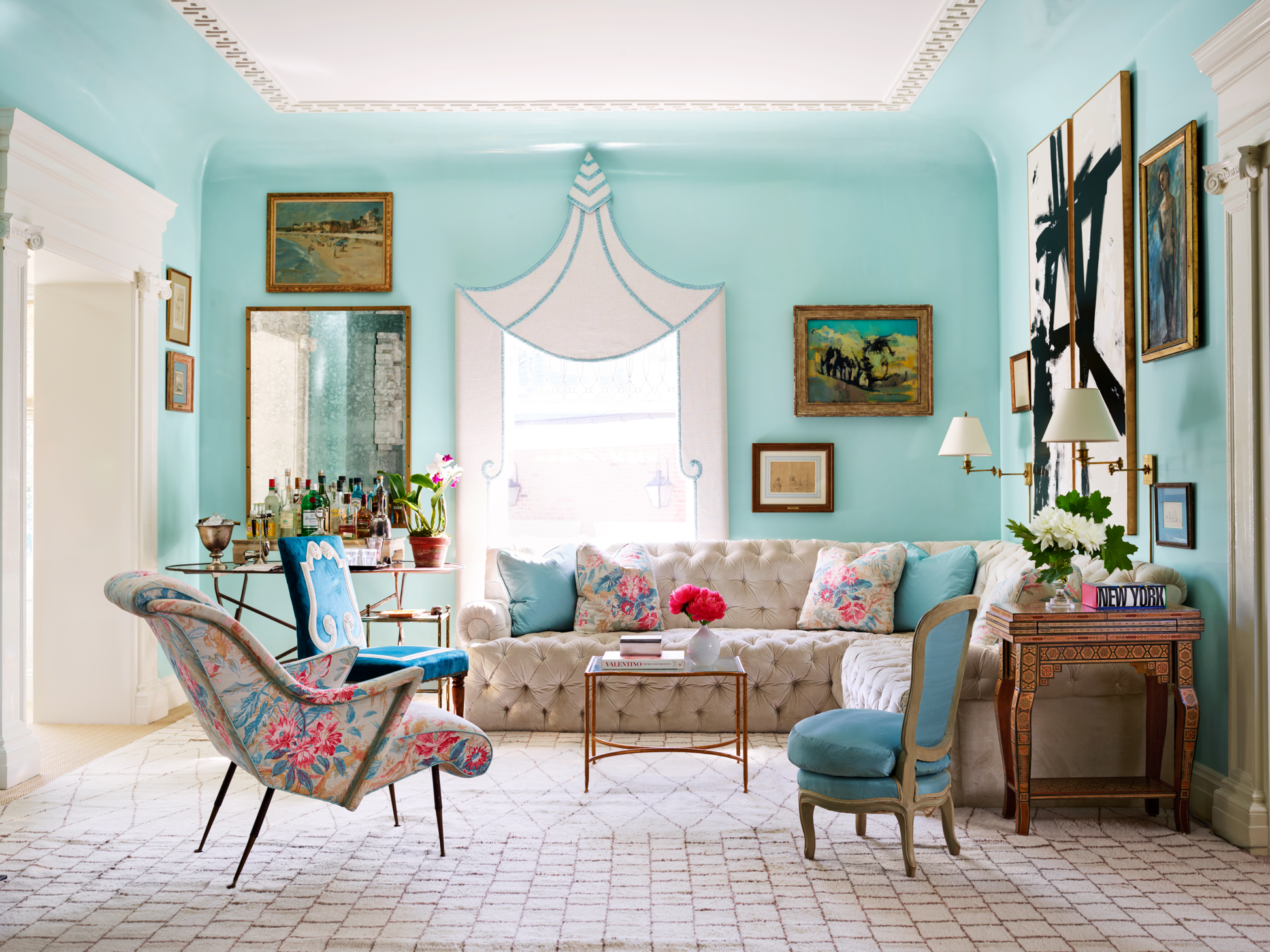 22 Eye Catching Living Room Color Combinations That Are Far From Dull