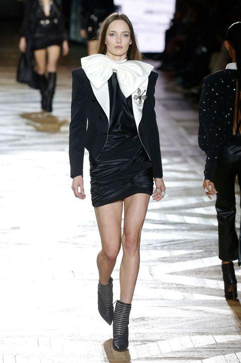 Fashion model, Fashion show, Fashion, Clothing, Runway, Street fashion, Shoulder, Outerwear, Snapshot, Joint,