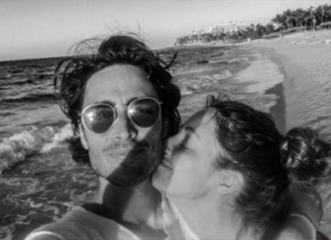 Eyewear, Photograph, Sunglasses, Black-and-white, Glasses, Photography, Cool, Fun, Monochrome photography, Friendship,