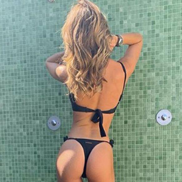 Bikini, Muscle, Leg, Undergarment, Swimwear, Fun, Photography, Thigh, Selfie, Vacation,