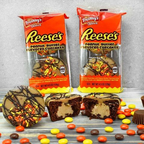 Food, Snack, Confectionery, Candy corn, Chocolate, Junk food, Cuisine, Candy, Peanut butter cup, Toffee,