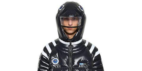 Helmet, Personal protective equipment, Clothing, Jacket, Motorcycle helmet, Outerwear, Sports gear, Headgear, Sleeve, Jersey,