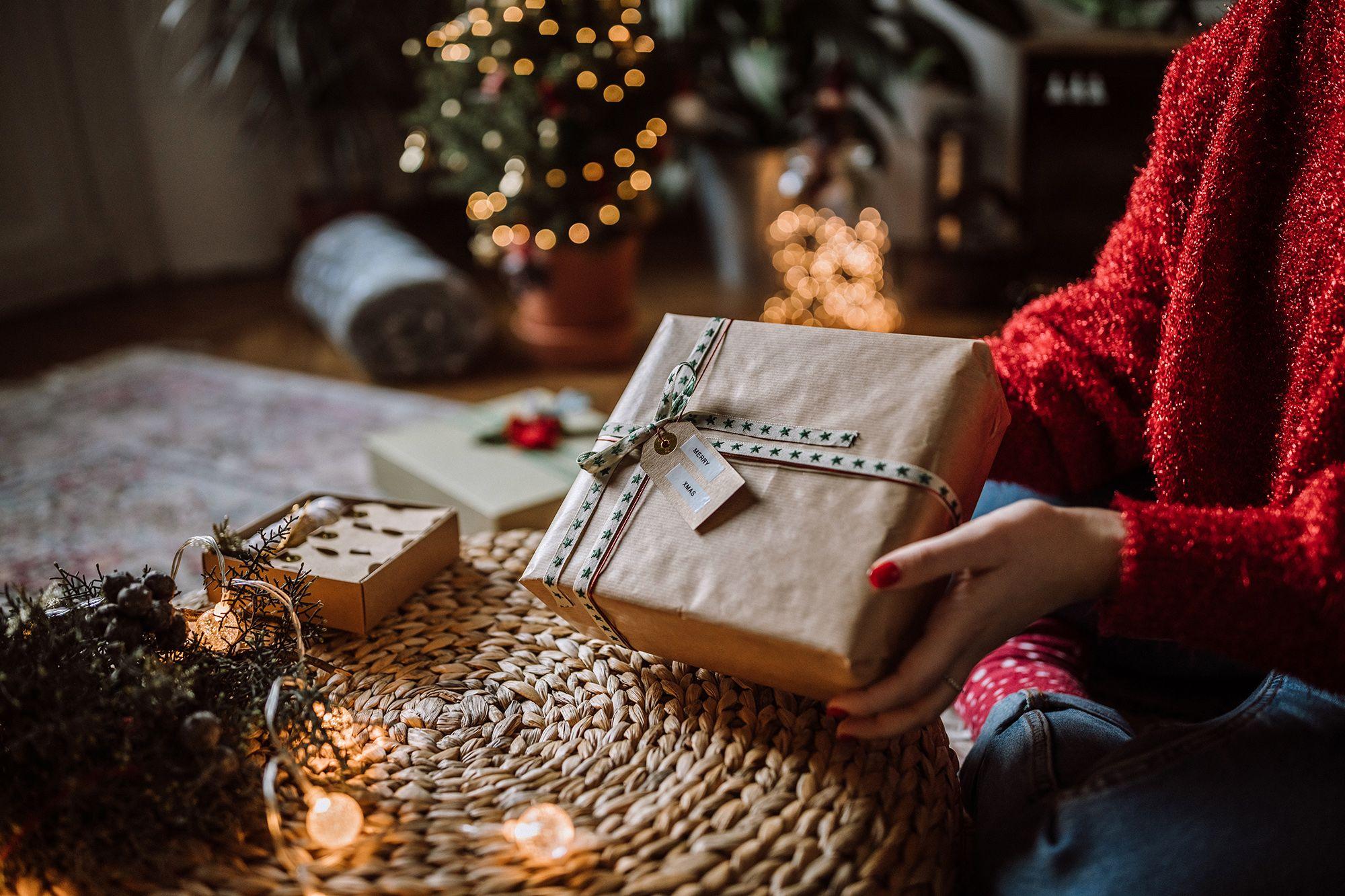 L'idea smart e velocissima per pensieri stupendi da far trovare sotto l'albero sono i regali di Natale su Amazon