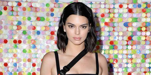 Il reggiseno da indossare (come top) è quello di Kendall Jenner al Coachella
