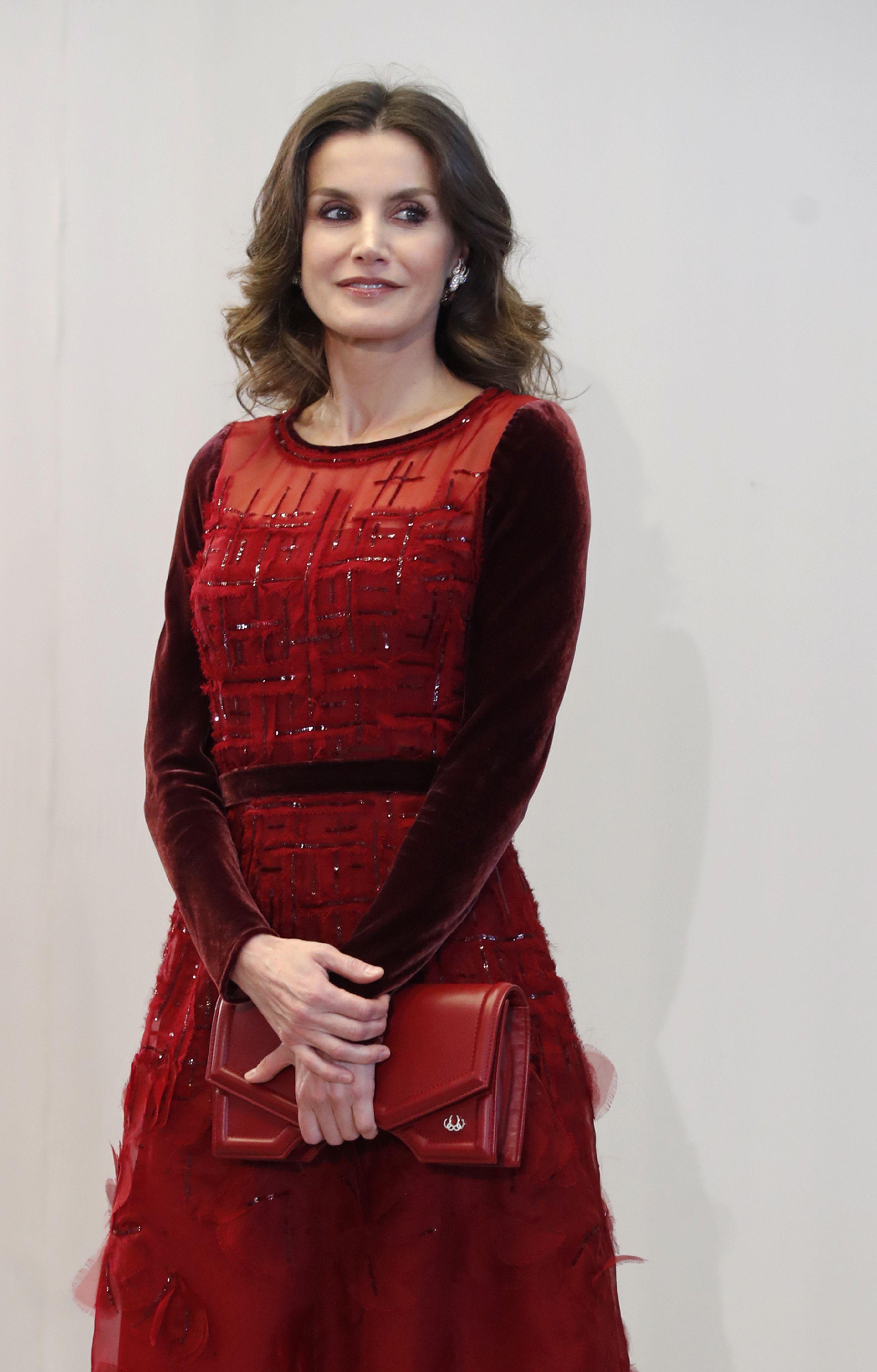 Doña Letizia se despide de Marruecos con un vestido de pasarela 6d6fd2667785