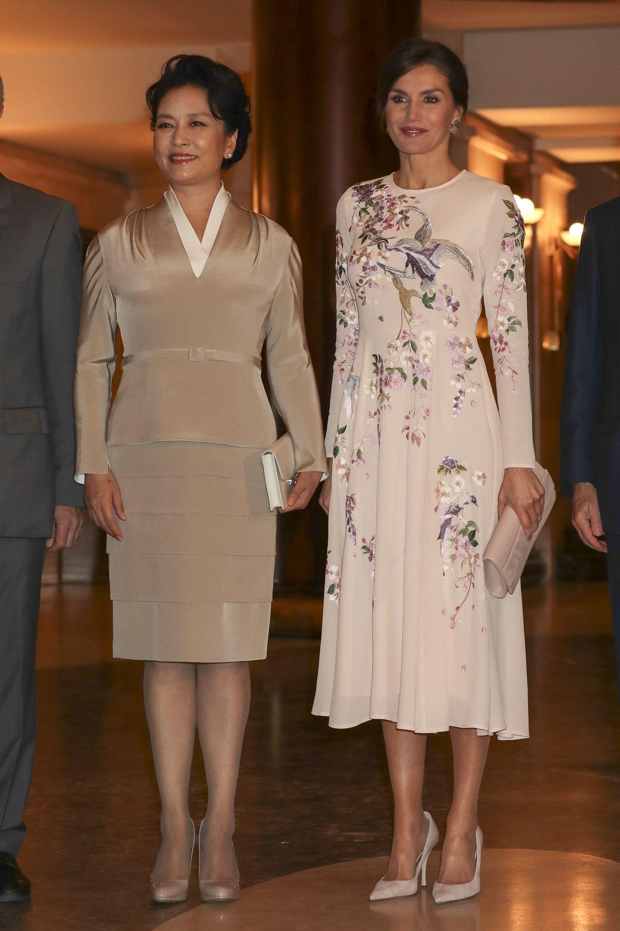 El vestido de Asos de la reina Letizia que cuesta menos de