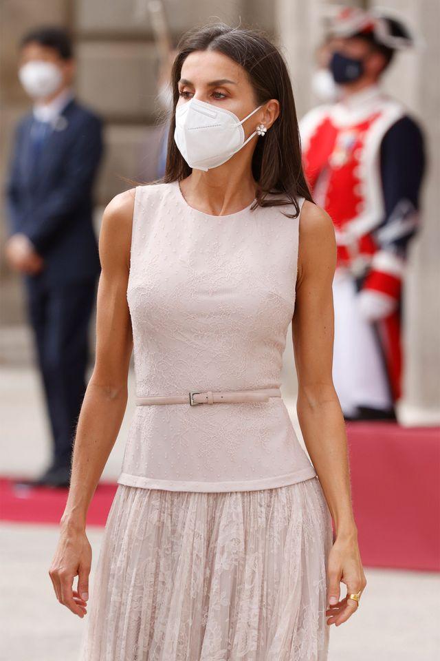 la reina letizia repite vestido rosa de felipe varela con el presidente de corea del sur