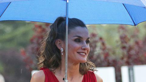 Red, Beauty, Umbrella, Dress, Fashion, Fashion accessory, Photography, Formal wear, Street fashion, Style,