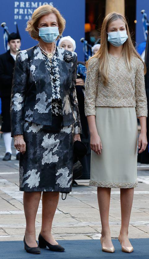la reina sofía y la princesa leonor en los premios princesa de asturias