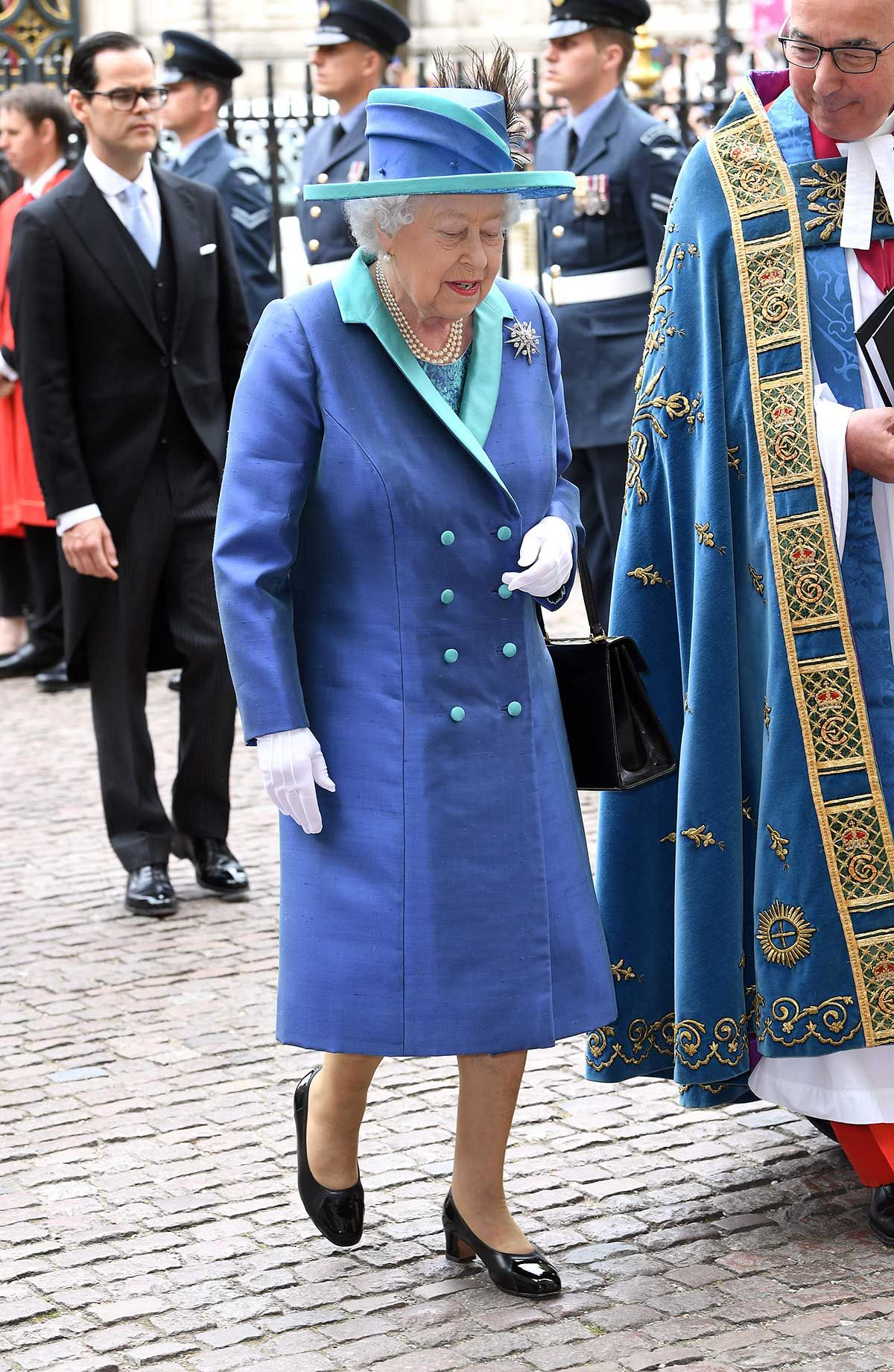 La reina Isabel II de Inglaterra en el centenario de la Royal Air Force