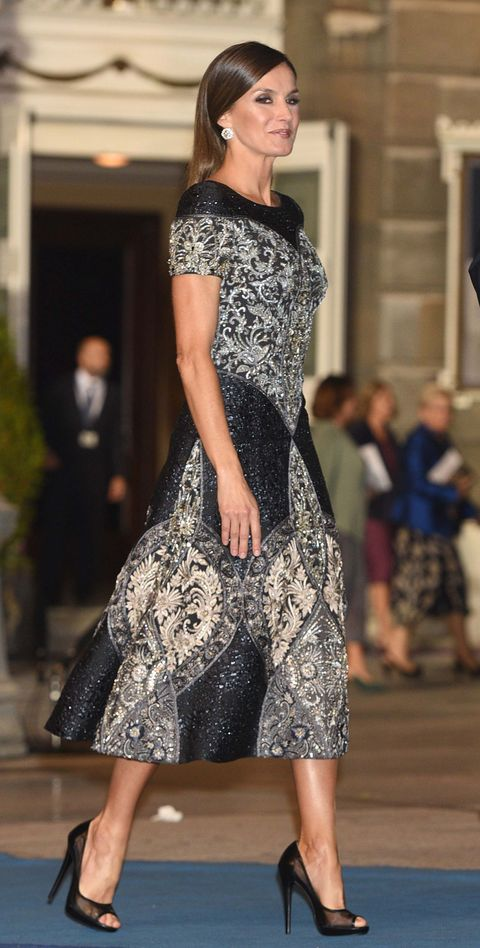 La reina Letizia con su look en los premios Princesa de Asturias 2018
