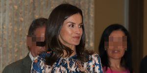 La reina Letizia repite vestido de Sandro en un acto
