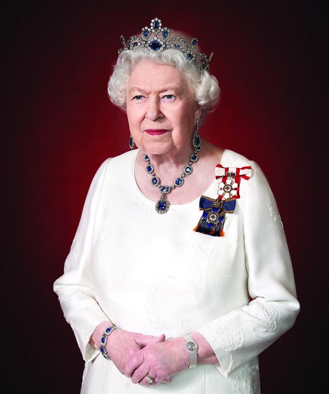 queen elizabeth canadian portrait