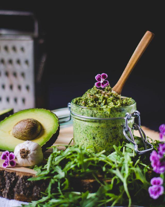 pesto basilico e avocado