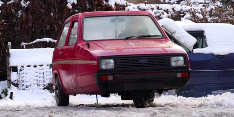 Reliant Robin drift en la nieve