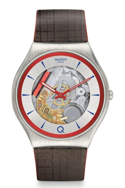 Reloj modelo Q de Swatch x 007 (200 euros)
