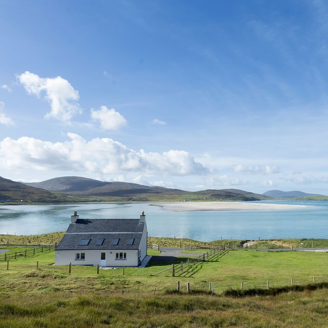 cottage is for sale on the remote scottish island of isle of harris