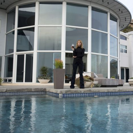 Property, House, Building, Water, Architecture, Home, Real estate, Swimming pool, Villa, Leisure,