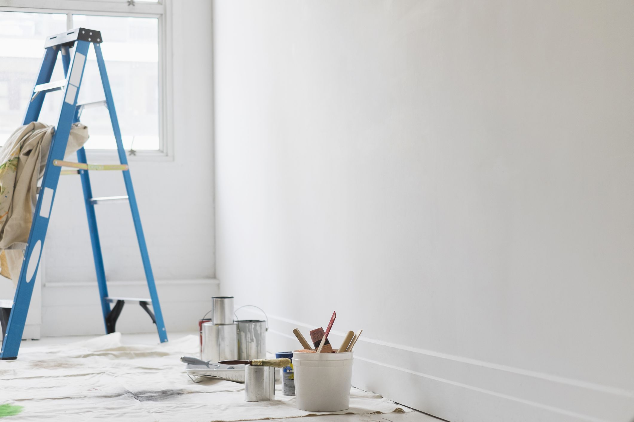 The 6-step etiquette guide to remember when you have a builder in your home
