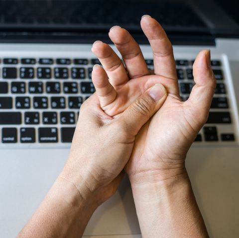 repetitive strain injury symptoms, causes and treatments