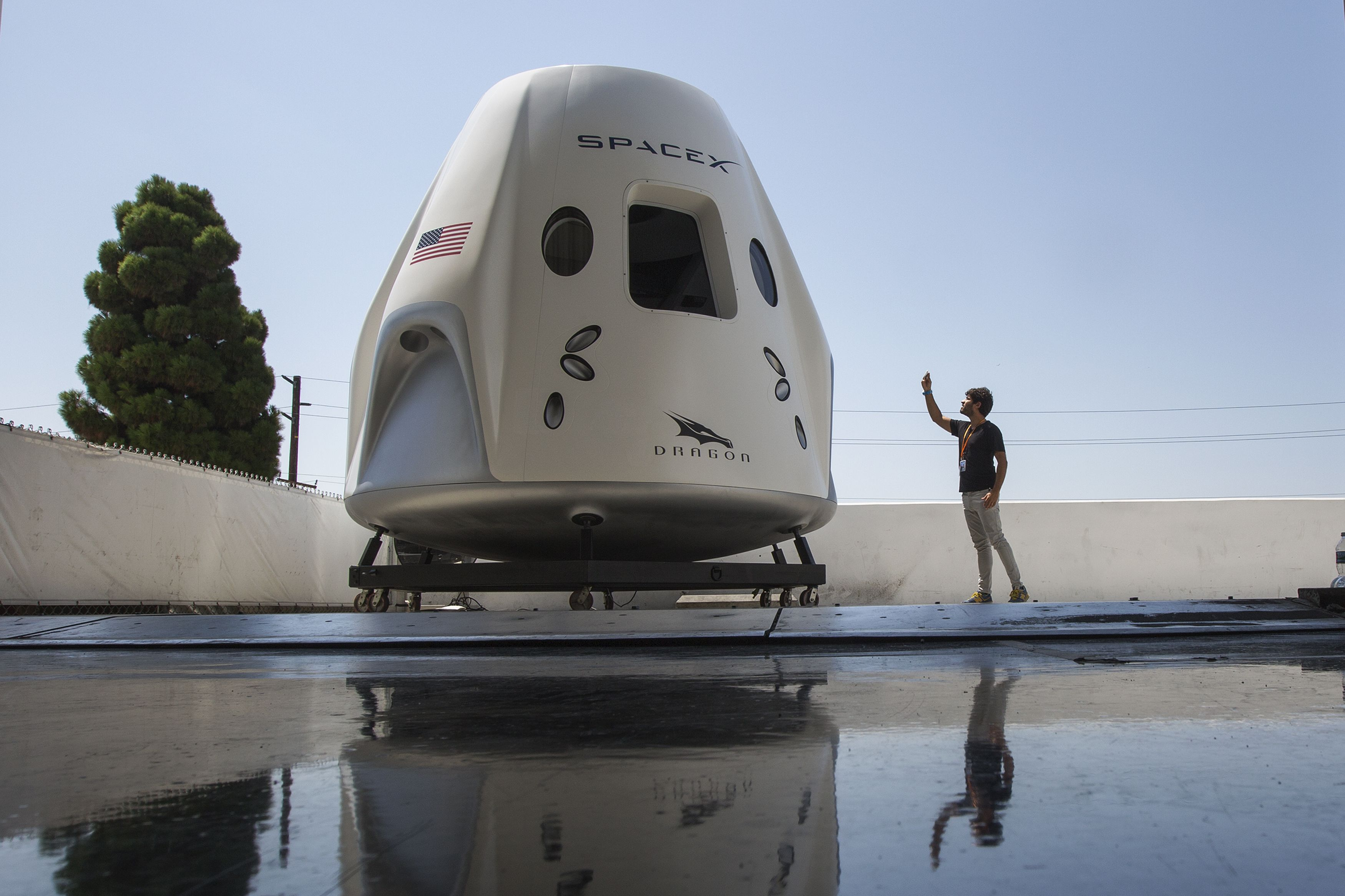 SpaceX Is Officially Sending Tourists to Space