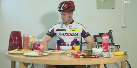 reporter tries to eat like tour de france rider