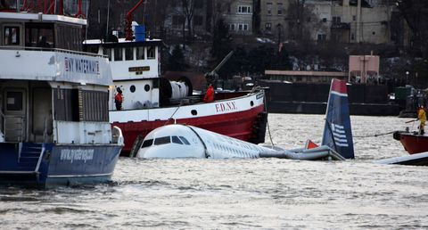 Flight 1549 Landing in Hudson River | Captain Sully Sullenberger