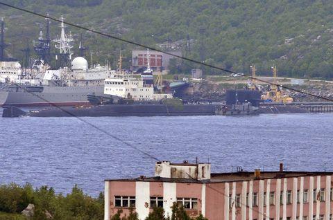 CAPTION CORRECTION!!!BS-64 Podmoskovye ballistic missile submarine in Severomorsk
