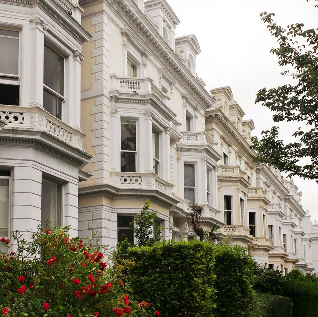residential townhouses in londons notting hill district, one of the uks most expensive residential areas london, england