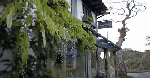 El restaurante Casa Marcial, en Asturias, celebra su 25 aniversario