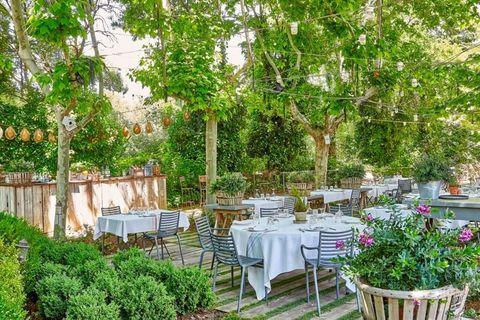 terraza del restaurante filandón, madrid