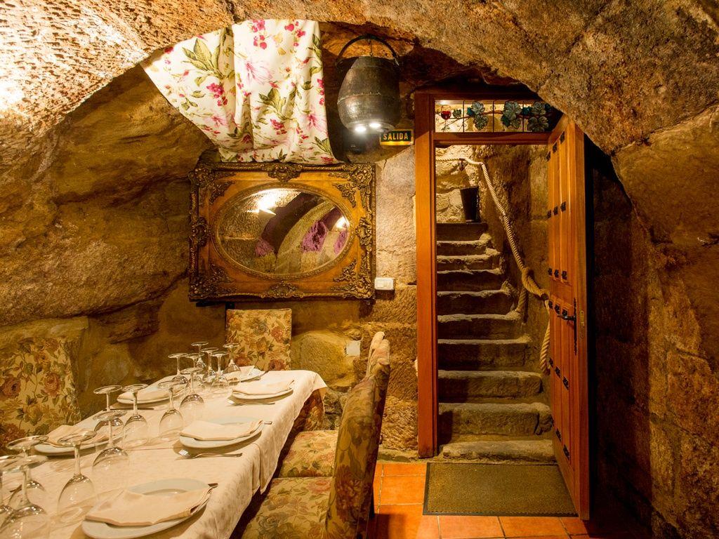Los mejores restaurantes cuevas bajo tierra en Madrid y más allá