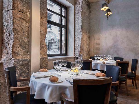 En esos restaurantes cenarás muy bien por menos de 50 euros (y con vino)