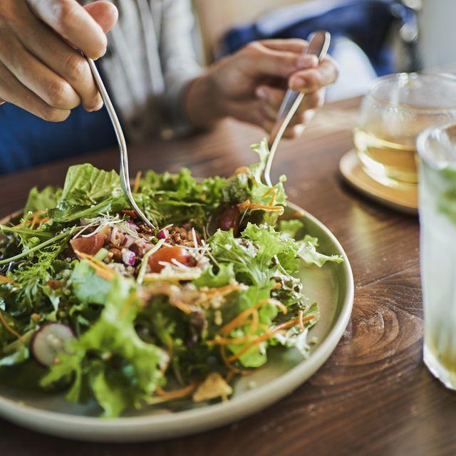 plato de comida sana en una mesa