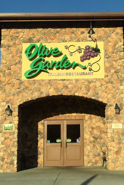 restaurants open new years day olive garden