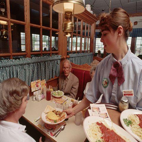 restaurants open on thanksgiving bob evans