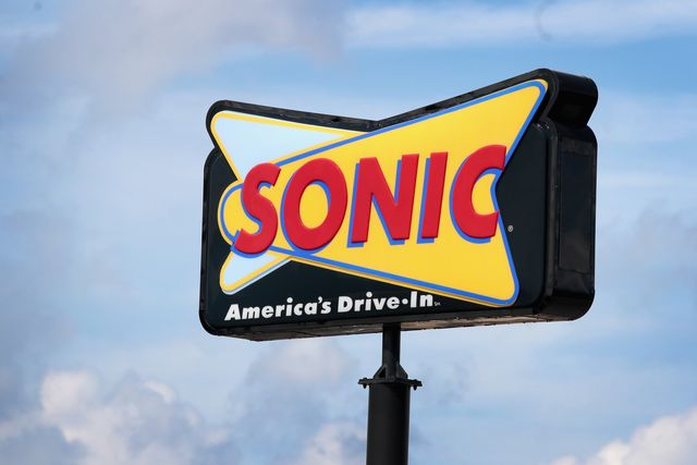 restaurants open thanksgiving sonic