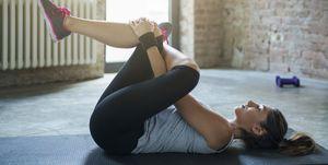 estirar músculos cadera y rodilla