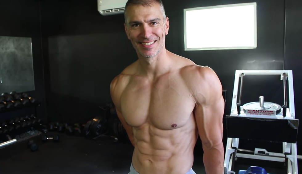 A Physique Coach Shared the Simple Cardio Routine That Helps Him Stay Shredded thumbnail