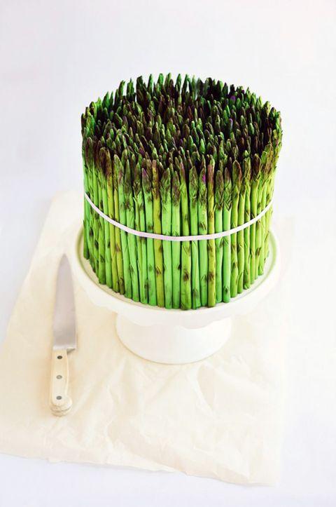 Green, Ingredient, Cuisine, Dishware, Plate, Dessert, Kitchen utensil, Cake, Sweetness, Baked goods,